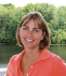 Ones To Watch: Peggy Van de Wetering