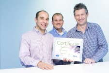This certificate confirms the Philips GoldBio partnership.
